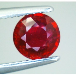 RUBY NATURAL ROUND CUT 1,23 CT.
