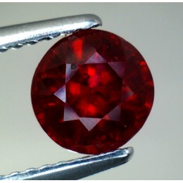 RUBY NATURAL ROUND CUT 1,72 CT.